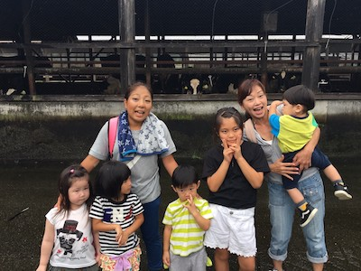 牧場には 牛がいっぱいいました!